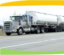 משאית המובילה דלק